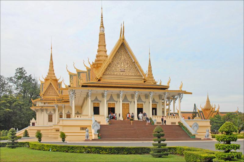 Ангкор Ват, Пном Пен, Сием Реап: Новата стара Камбоджа ще ви очарова с многото си лица