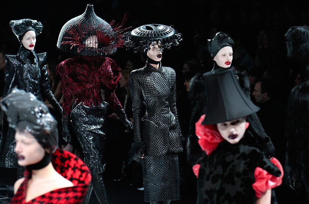 Пет години след смъртта на дизайнера: Alexander McQueen и неговата незабравима мода
