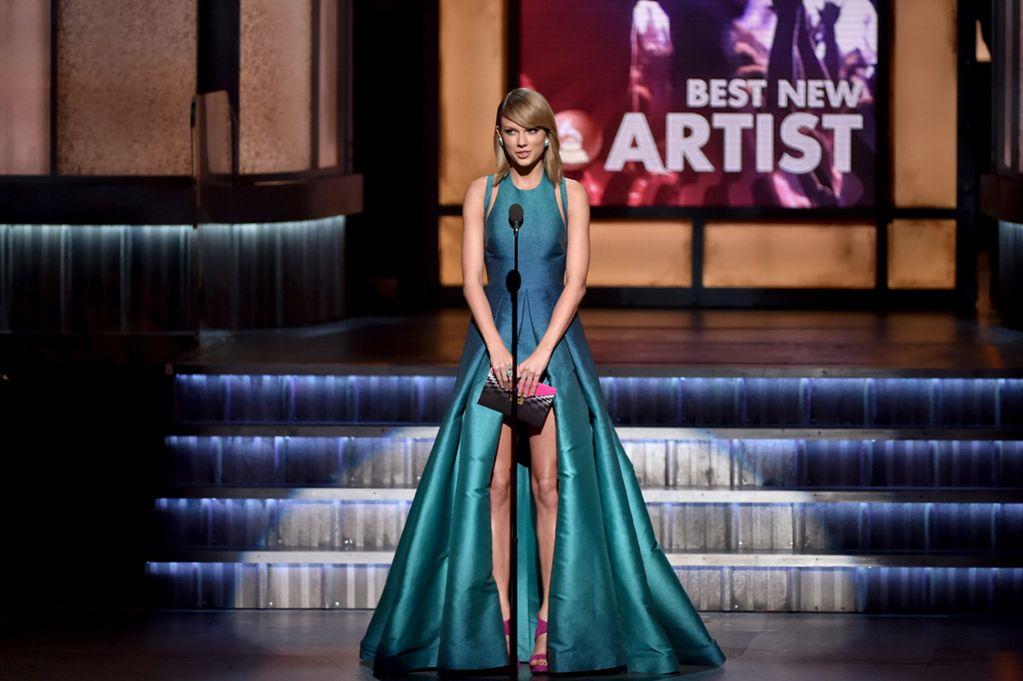"""<!--:bg-->Наградите """"Грами"""" и единствените рокли, които си заслужава да видите<!--:-->"""