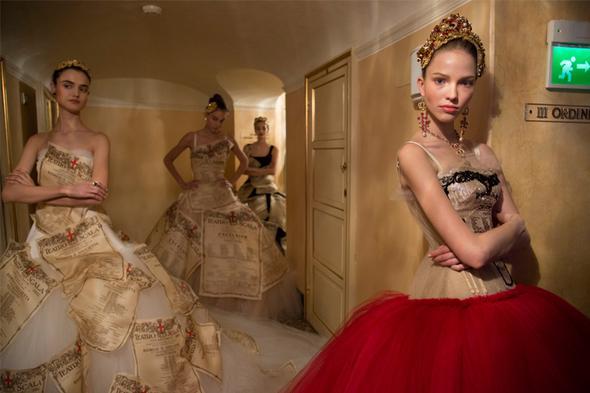 <!--:bg-->Dolce&Gabbana поставиха в миланската La Scala новия си моден танц<!--:-->