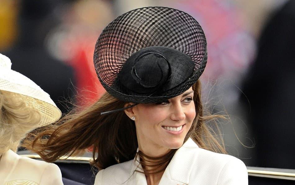 Спрете всичко, което правите: Херцогиня Катрин облече рокля за 35 британски лири