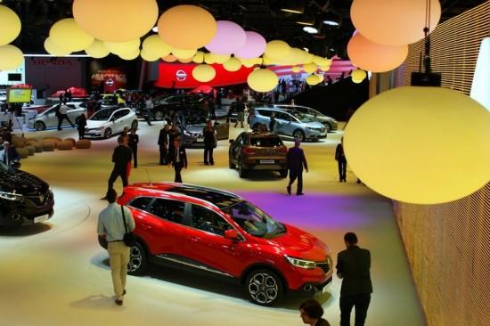 Мощ и красота за 85-ти път: Международно автомобилно изложение в Женева