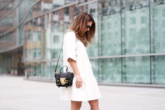Малката бяла рокля: Как да я носим?