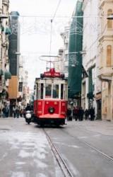 (БГ) 9 правила за пътешествия от Паулу Куелю