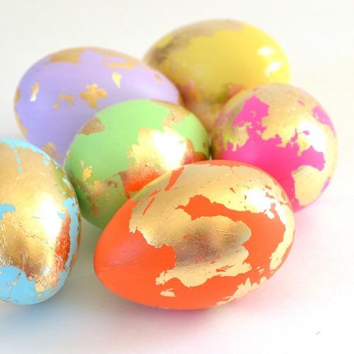 Блясъкът на Великден: Как да боядисаме яйца в злато?