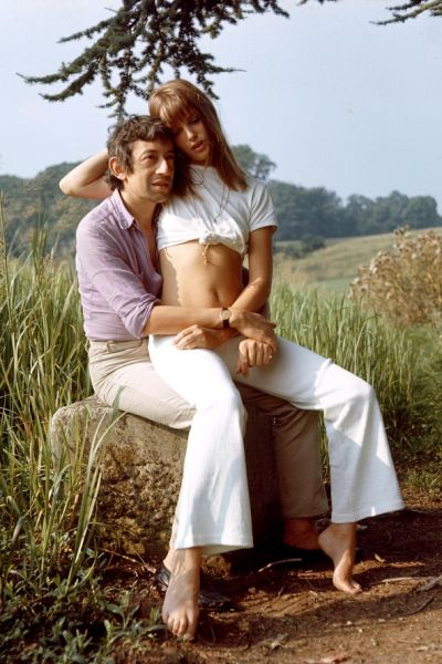 jane-birkin-serge-white-jeans-vogue-21may15-rex_b_592x888