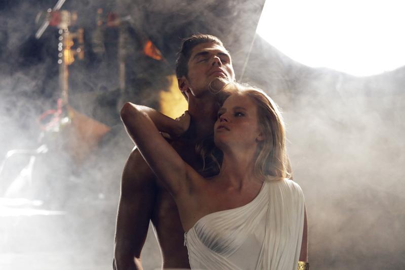 Eros на Versace вече и в дамски вариант
