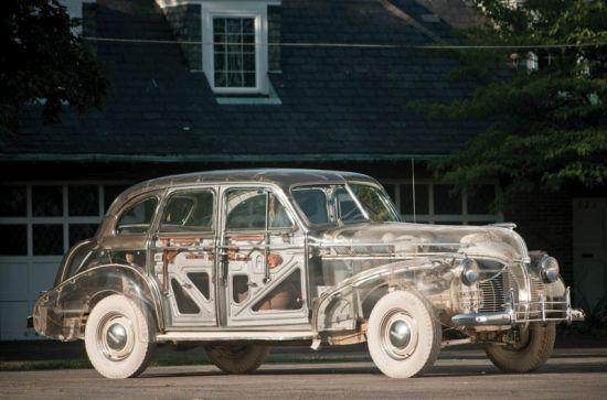 """Скъпите мъжки играчки: """"Колата призрак"""" на Pontiac"""