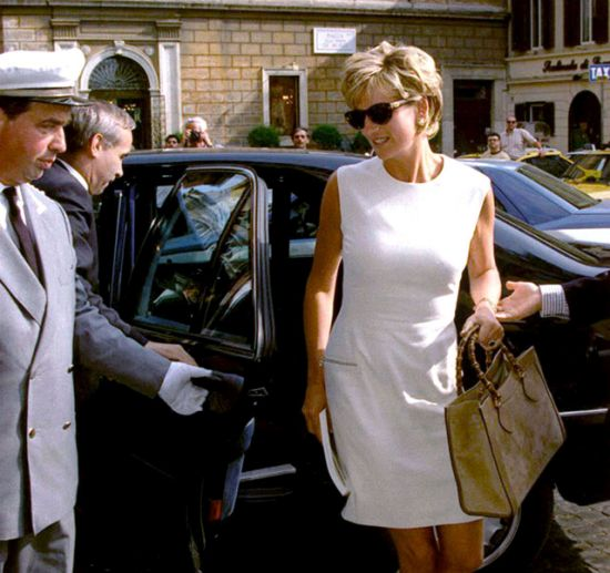 Princess-Diana-with-a-Gucci-Bamboo-Bag