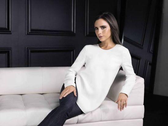 Виктория Бекъм продава част от дрешките на дъщеря си