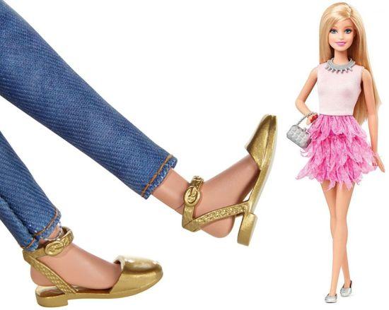 Барби вече ще се продава и с равни обувки