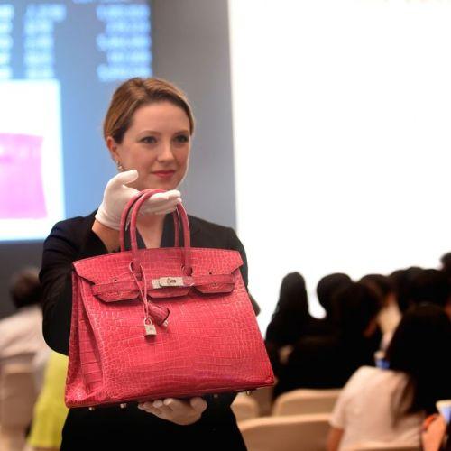 Чанта на Hermes бе продадена за рекордна сума