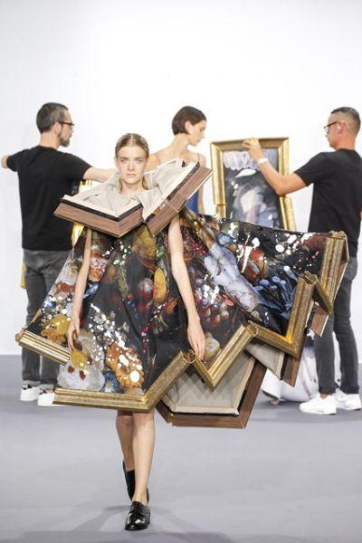 Картини, превърнати в рокли от Viktor&Rolf