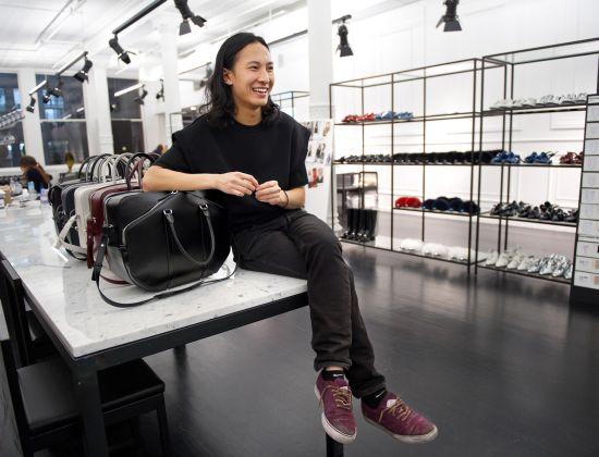 Alexander Wang напуска Balenciaga