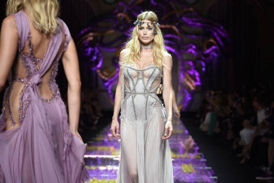 Versace откри Седмицата на висшата мода в Париж