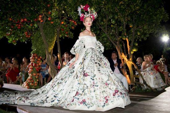 """""""Сън в лятна нощ"""" по мотиви на Dolce&Gabbana"""