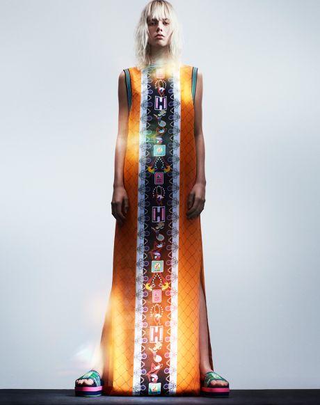 Триумф на цветовете: Новата колекция на Mary Katrantzou за Adidas Originals