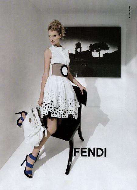 Toni-Garrn-Fendi-Ph-Karl-Lagerfeld
