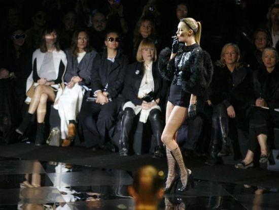 От голата Мадона до Кейт Мос, която запали цигара на подиума