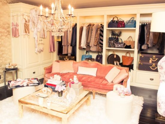 Rosie-Huntington-Whiteley-celebrity-closet