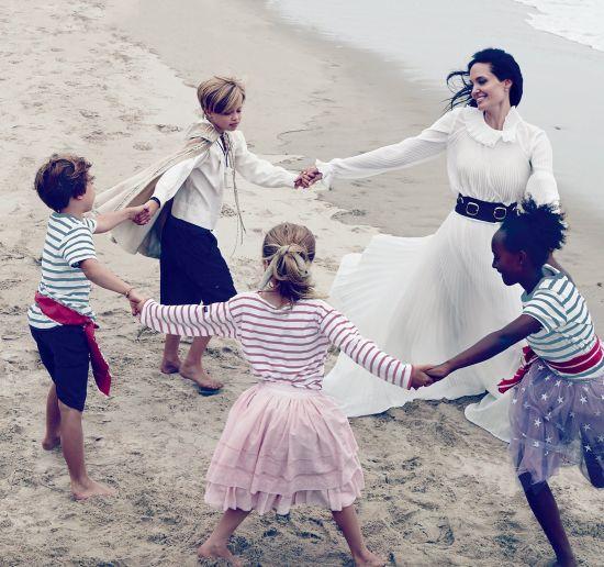 Анджелина Джоли за най-личния си проект досега и една интимна фотосесия на семейство Пит