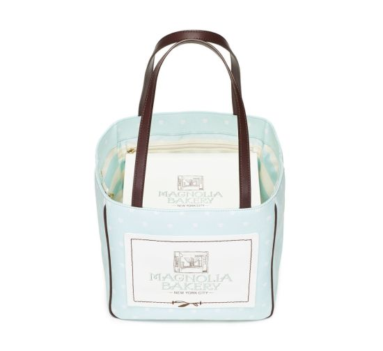 gallery-1443554280-mcx-magnolia-cupcake-carrier