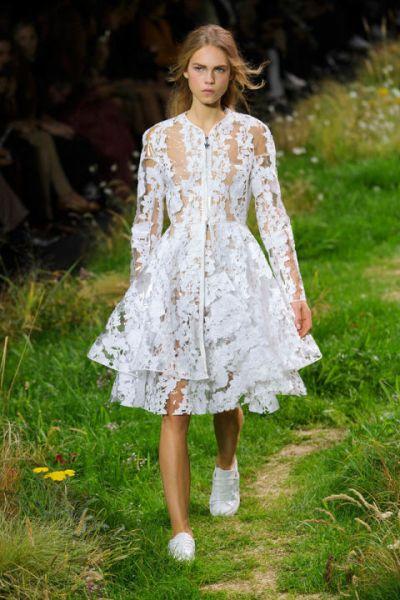 20 нетрадиционни рокли за сватба, каквато не сте подозилали, че може да имате