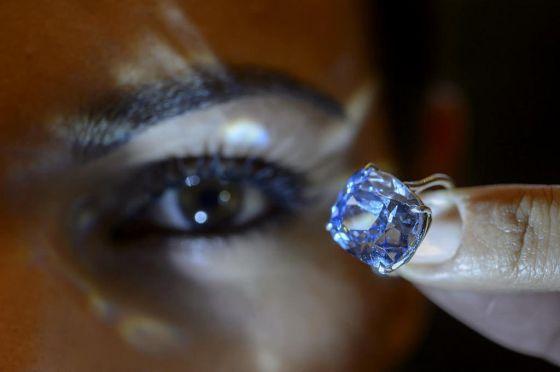 Най-скъпият диамант в света бе продаден за 48.4 милиона долара