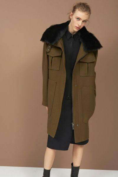 """Милитъри палта за """"армията"""" от жени по улиците тази зима"""