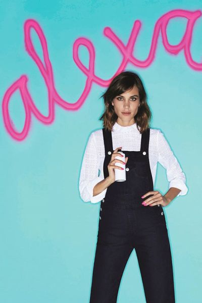 Nails_Inc_Spray_On_Nails_Alexa_Chung2