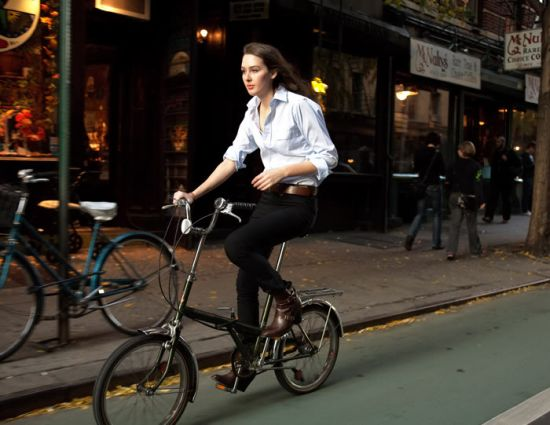 bike-outfits-street-style-bicycle-white-shirt