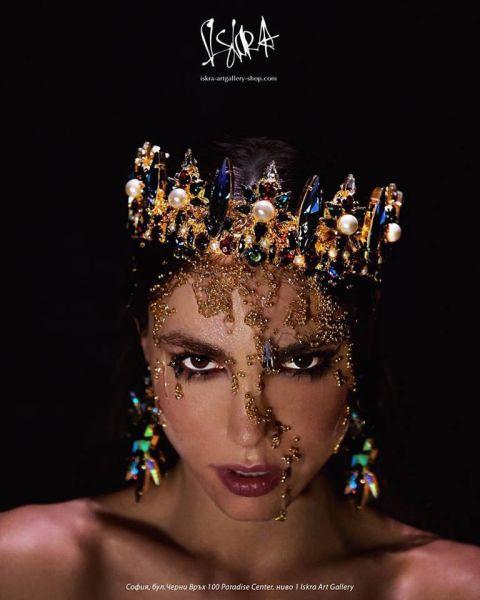 Слагаме короните! Новата колекция бижута на ISKRA