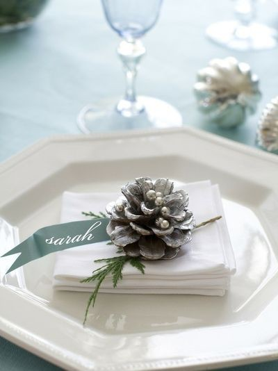 3-holiday-table