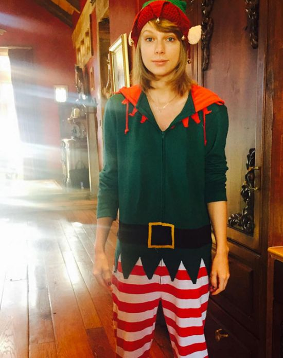 best_celebrity_holiday_2015_instagrams_Taylor_Swift