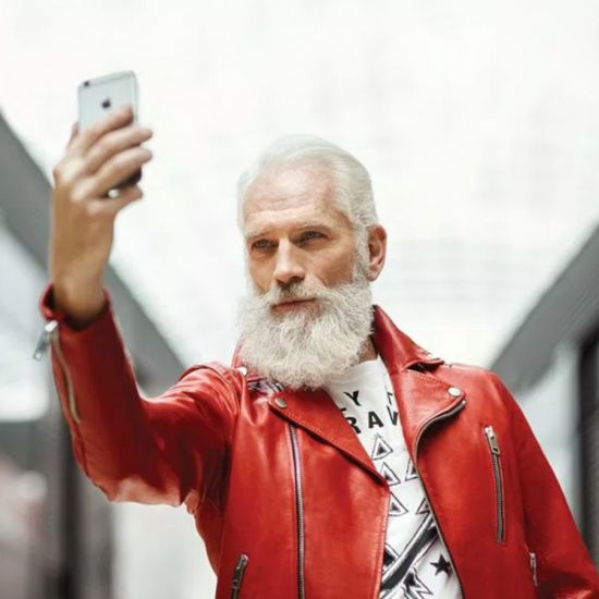 Дядо Коледа не съществува! Да живее новият моден, секси Дядо Коледа!