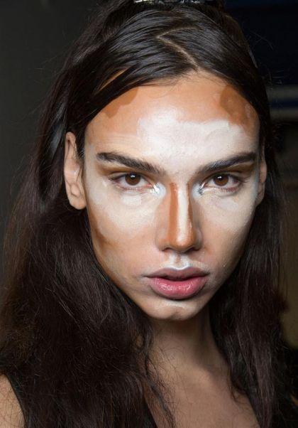 weirdest_beauty_trends_face_contouring_art