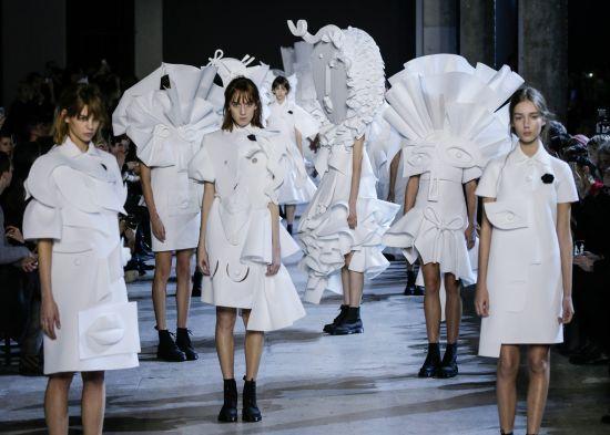 """""""Скулптури"""" и дрехи, вдъхновени от Пикасо в новата колекция на Viktor&Rolf"""