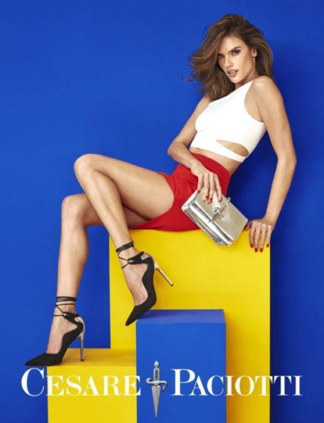 Алесандра Амброзио в една серия цветни кадри и много обувки