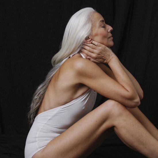 Ясмина Роси – вече на 60 и все още една от най-красивите жени за реклама на бански