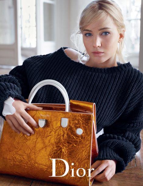 Дженифър Лорънс отново за Dior и дамските чанти Diorama