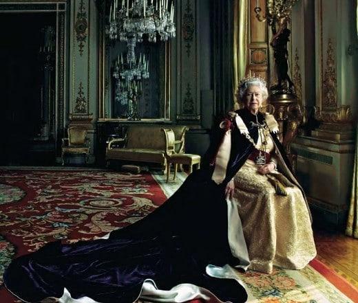 Елизабет II – една кралица на 91