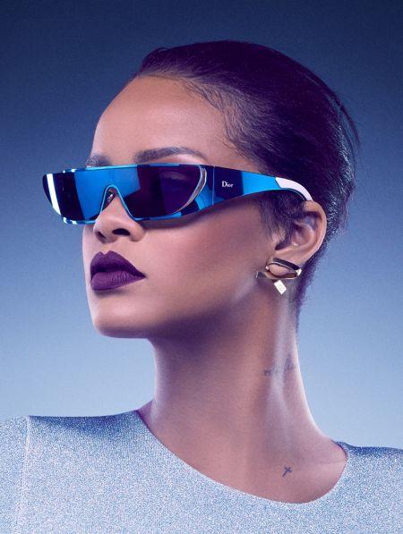 Риана създава колекция очила за Dior. И всички са перфектни!