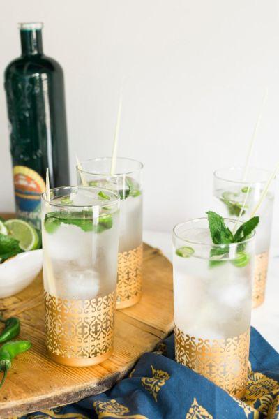 Как да си приготвим: Лимонада с лимонова трева, мента и джин