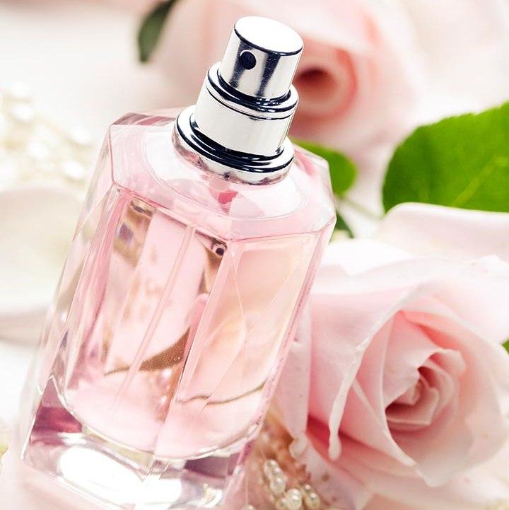 В света на ароматите: Най-честите грешки при нанасяне на парфюм