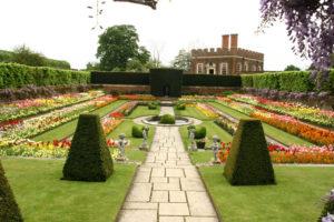 Hampton-Court-F