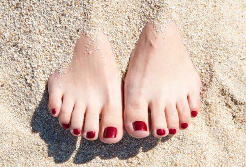 Мисия: красиви боси крака