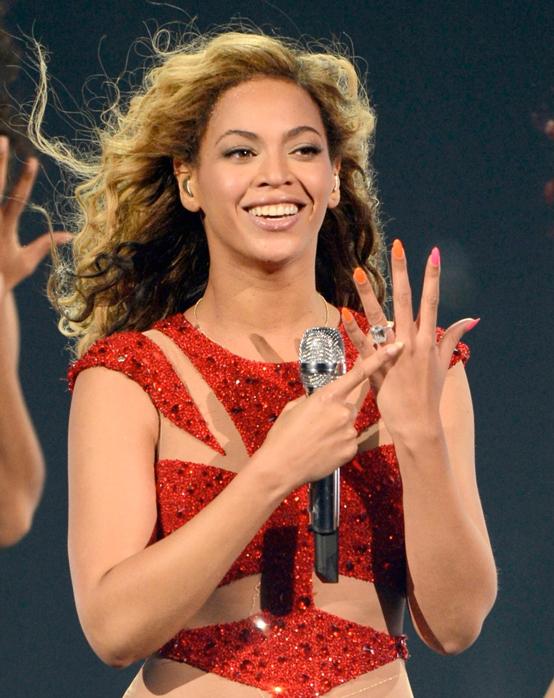 """Категорично """"да""""! На най-красивите годежните пръстени на известните"""