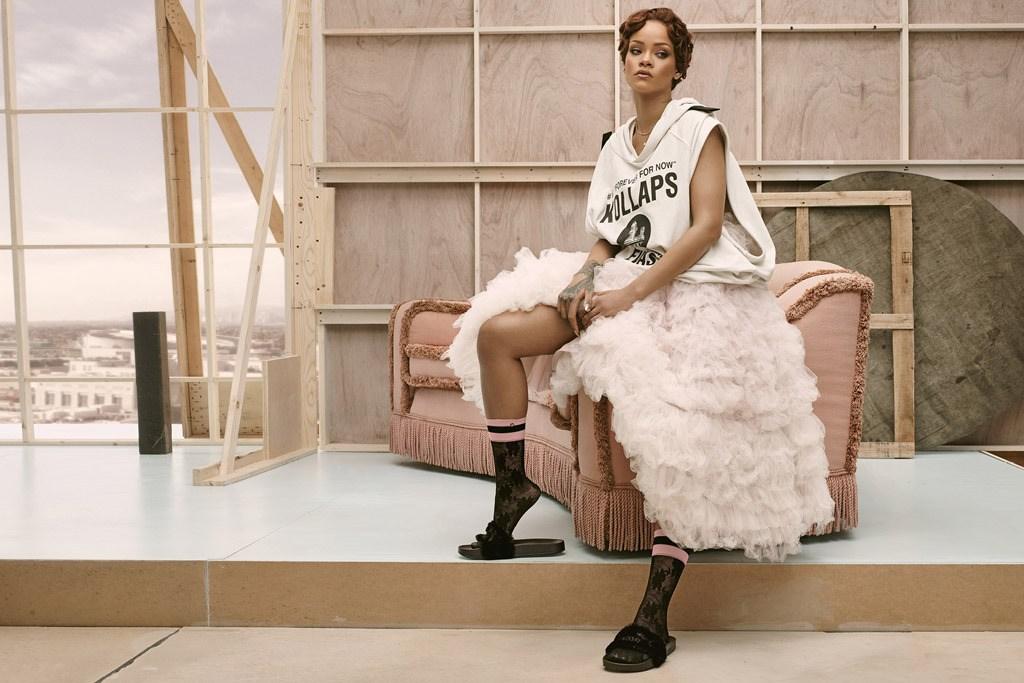 Риана нажежи Париж със собствен pop-up магазин