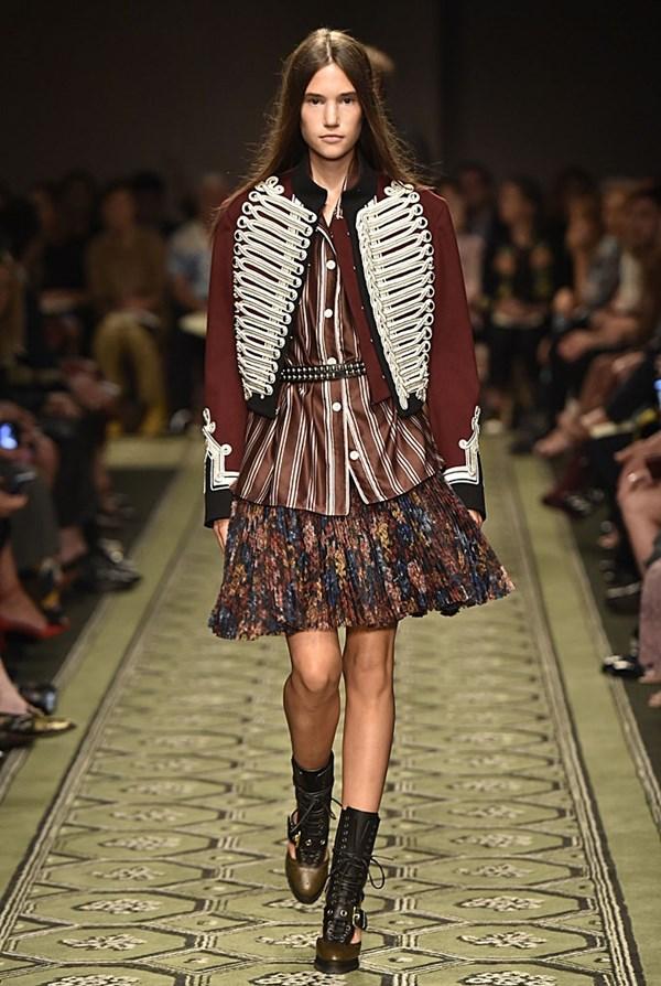 Отново незабравимо шоу на Burberry в Седмица на модата