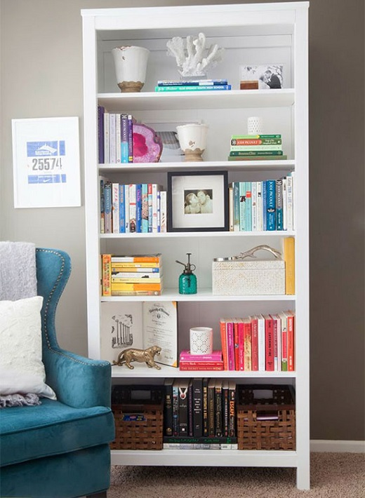 colour-sorted-bookshelf-12